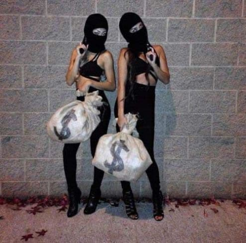 79 Award-Winning Group Halloween Costumes for 2021 that are so cool