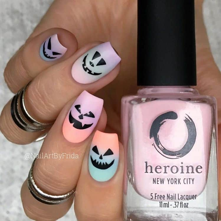 50 SPOOKY IDEAS FOR HALLOWEEN NAILS TO COPY THIS YEAR