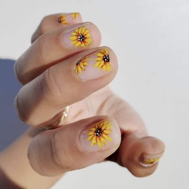 sunflower thanksgiving nail idea