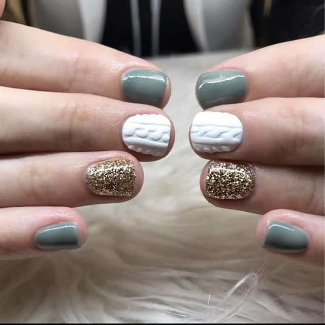 cable knit thanksgicing nail design