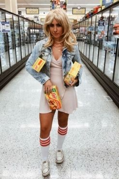 60+ Insanely Easy College Halloween Costumes that are a show-stealer